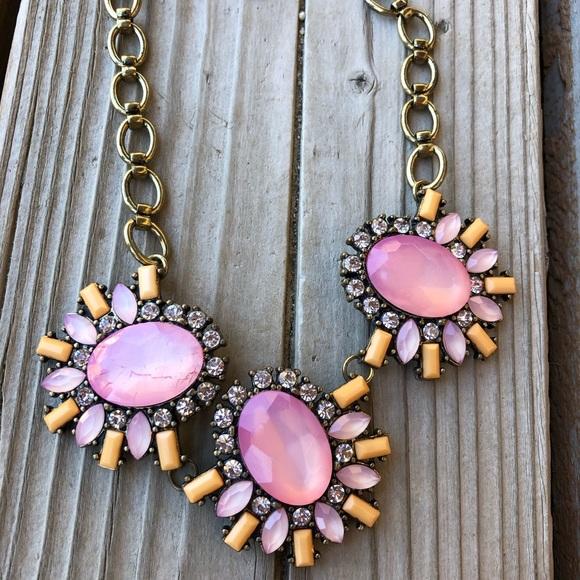 Stunning BaubleBar Pink Statement Necklace!